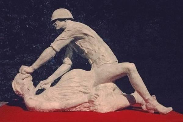 statue-03