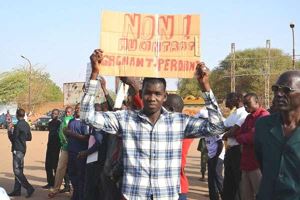 manifestation-anti-areva-niger-03
