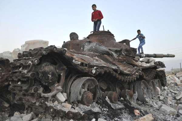enfants-chars-syrie-14