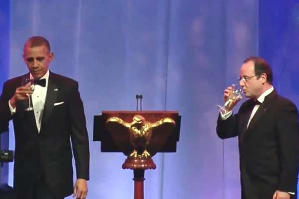 hollande-obama-toast-07