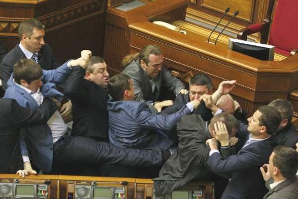 parlement-kiev-00